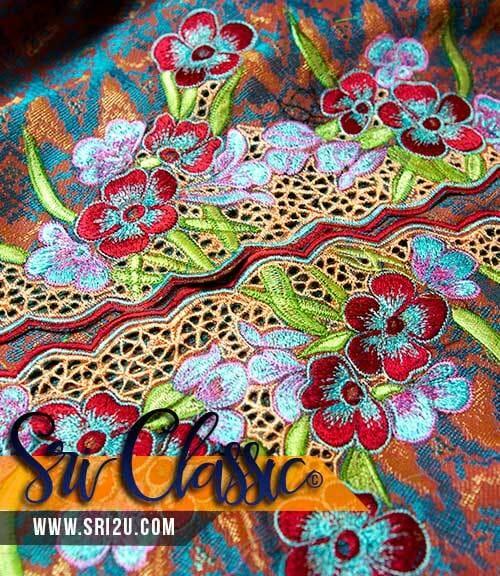 Baju Kurung Tradisional Sulam Ayak Bunga Safron