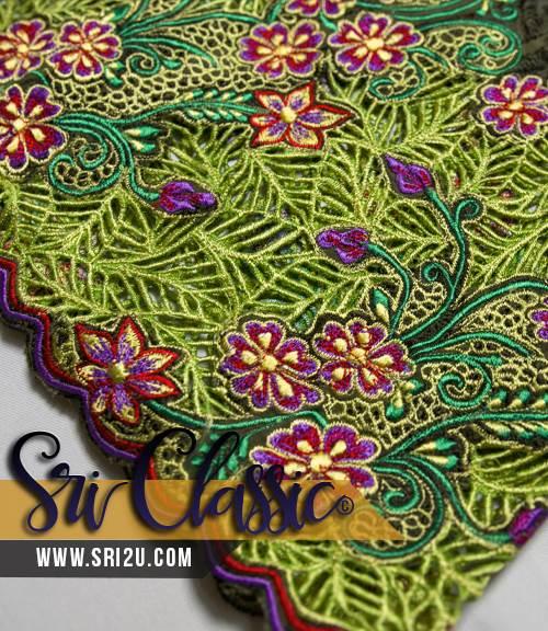 Baju Kurung Teluk Belanga Bersulam Kerawang Bunga Sakura dan Bunga Pecah Lima
